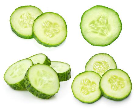 Komkommer op witte achtergrond wordt geïsoleerd die Stockfoto - 39988393