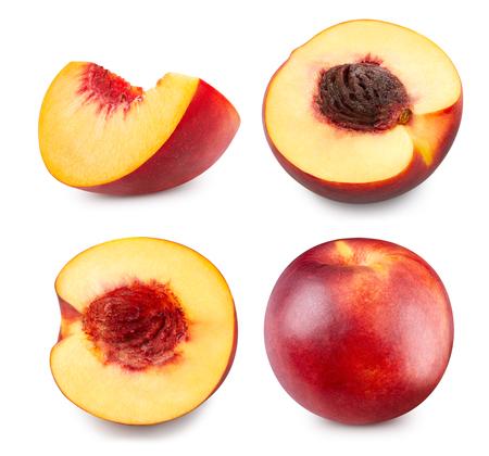 Pfirsich isoliert auf weiß