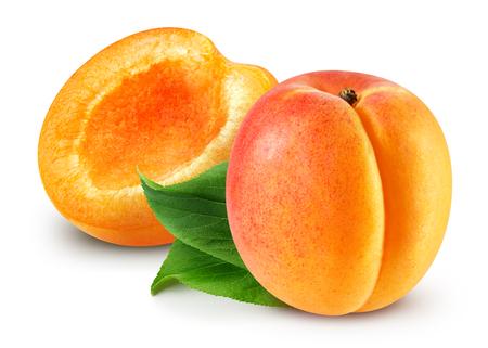 Aprikose isoliert Beschneidungspfad