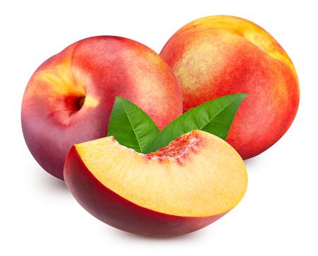 Peach isolato su bianco