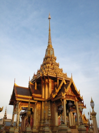 pyre: golden thai pavilion royal funeral pyre architecture design