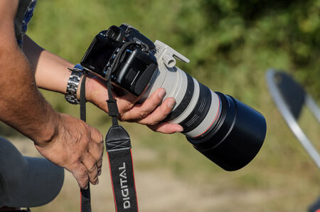 telezoom: Hand hold a camera