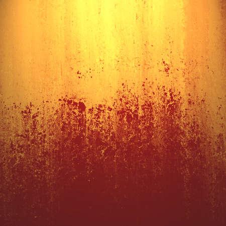 rust red: oro y el �xido de fondo rojo abstracto colores con rayas y textura de la esponja