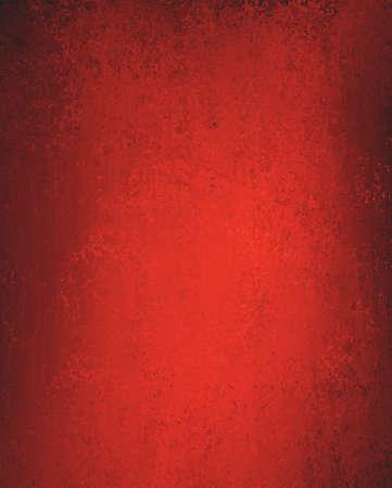 rojo: llano elegante fondo rojo con textura ligera desvanecido vendimia esponja y bordes oscuros y copyspace en blanco para el anuncio de Navidad o folleto día de San Valentín