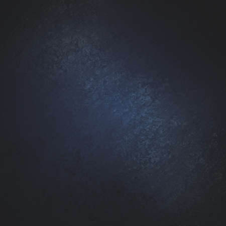 zwarte achtergrond met donker blauw centrum en grunge textuur Stockfoto