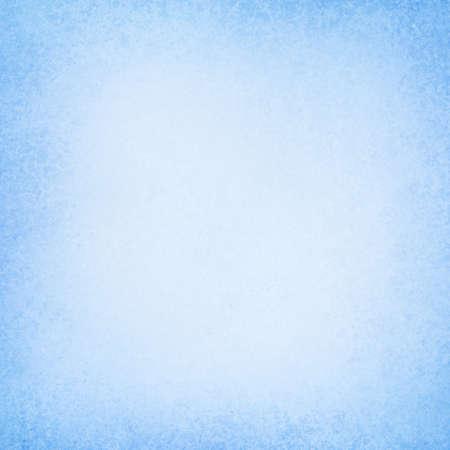 Textura de fondo azul con borde pastel y centro blanco suave en papel antiguo abstracto o diseño de diseño Foto de archivo