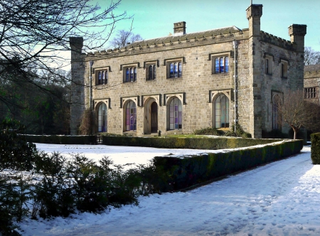 burnley: Wing of Townely Hall Burnley Lanchashire in the snow