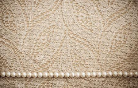 perle rose: Dentelle et perles de fond mill�sime