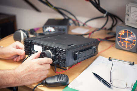 Amateur radio station: closeup of an a radio transciever 版權商用圖片 - 36751559