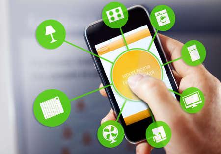 refrigerador: casa inteligente dispositivo de la ilustración con los iconos de aplicación