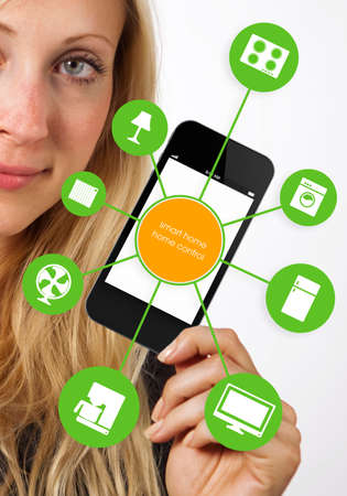 haus beleuchtung: Smart House Ger�t Illustration mit App-Symbole Lizenzfreie Bilder