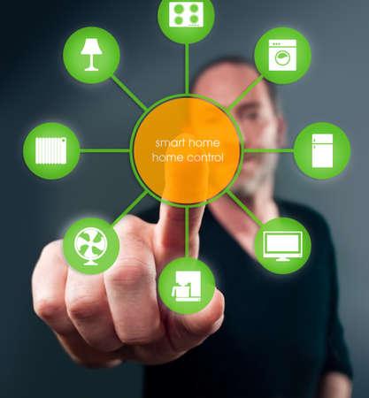 sistemleri: uygulama simgeleri ile akıllı ev cihaz illüstrasyon Stok Fotoğraf