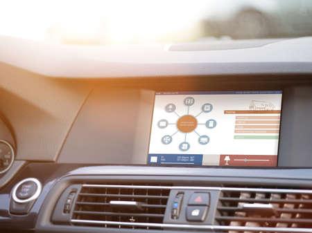 domotique: maison intelligente, la domotique, dispositif illustration avec ic�nes d'applications. L'homme est en utilisant sa voiture application domotique intelligente