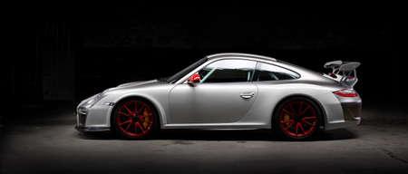 Aix-la-Chapelle, Allemagne, 14 juin 2013: Plan d'une photo d'une voiture de course Porsche 911, modèle 997 gt3. Banque d'images - 82965115