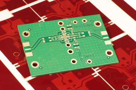 인쇄 회로 기판 PCB 제조에 대 한 빨간색 거 버 마스크에