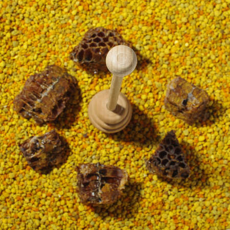 dipper: Honey dipper and natural bee products