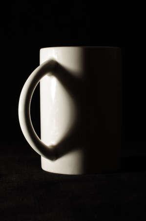 side lighting: Coffee mug studio side lighting