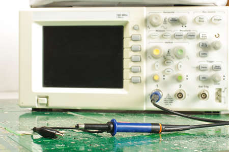 Oscilloscope with high frequency probe