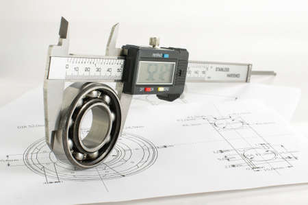 precisely: Bearing and caliper on the mechanical engineering drawing