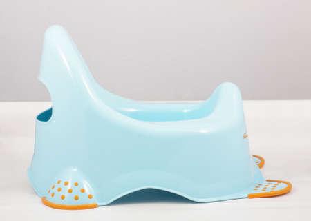 vasino: Blu vasino isolato su sfondo bianco Archivio Fotografico