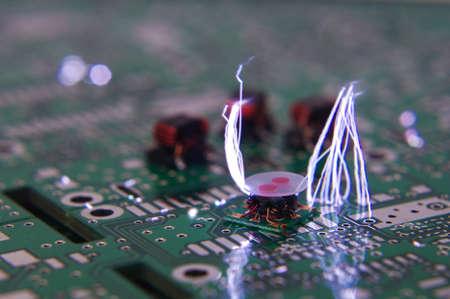 ESD étincelle sur les composants électroniques RF Banque d'images
