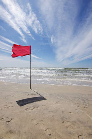 drown: Red flag in the beach bathing prohibition