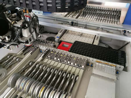 Mechanisms inside pick and place machine for electronics printed circuit board assembling