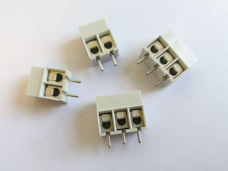 Terminal block for through hole technology PCB assembly