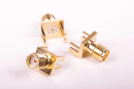 Connettore SMA di lancio del bordo del circuito stampato femmina per segnali RF e microonde Archivio Fotografico