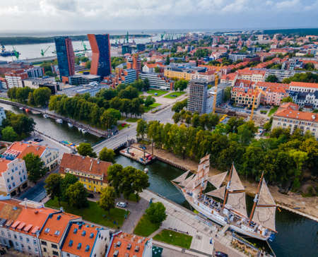 Aerial view of Klaipeda city center and port in horizon. Lithuania 免版税图像