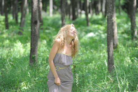 vrouw blond: jonge blonde vrouw