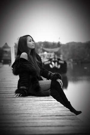 young woman in autumn nature Banco de Imagens - 119380920