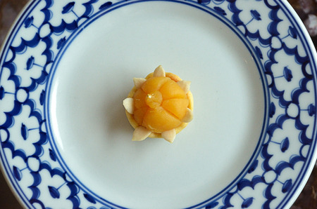 sweetmeat: crown-like yellow sweetmeat mainly made of yolk and sugar