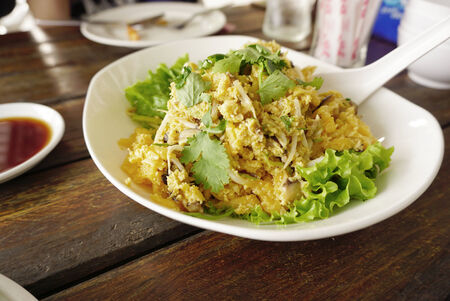 maw: Stir fried fish maw with egg and bean sprouts