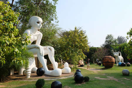 ratchaburi: Ratchaburi, Thailand - 20 February,2016 : Giant woman sculpture at Thao Hong Thai Ceramic Factory the famous attaction in Ratchaburi Province on 20 February 2016 in Ratchaburi, Thailand