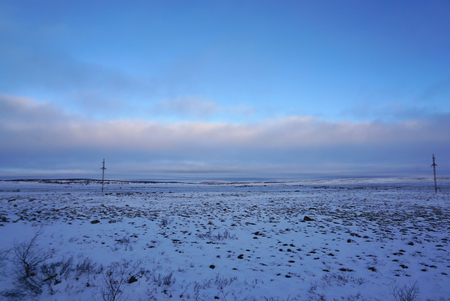 Tundra landscape cover with snow in early Winter on the way from Murmansk to Teriberka in Russia Banque d'images