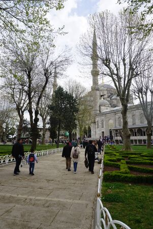 Istanbul, Turkey - 13 April ,2019 : Tourist walking around at the Blue mosque the landmark of Istanbul on 13 April ,2019 in Istanbul, Turkey Редакционное