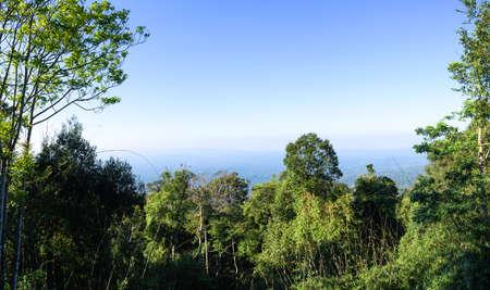 Panorama Travel pha trom chai viewpoint. The KHAOYAI NATIONAL PARK NAKHON RATCHASIMA city in Thailand. Standard-Bild