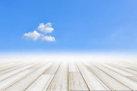 Hemelachtergrond met houten vloer Stockfoto