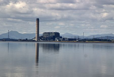 forth: Longannet Power Station on the River Forth