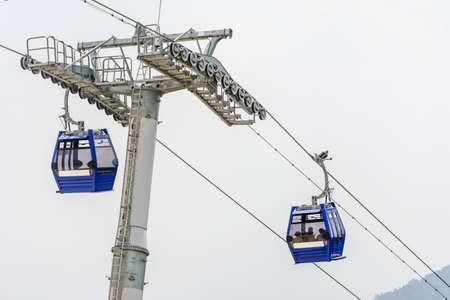 mountain cable car at Kyaik Htee Yoe Pagoda, Mon State, Myanmar, March-2018 Imagens