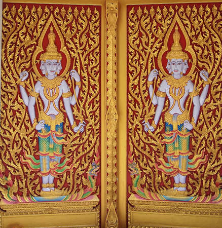 4 face angle on the temple doors photo