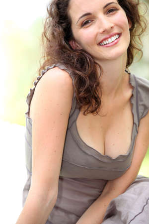 25 to 30: Woman smiling