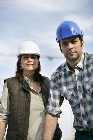 supervisores: Hombres y mujeres trabajadores de la construcci�n
