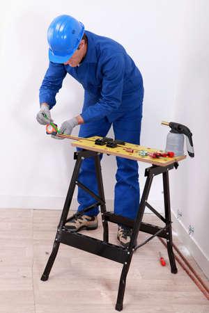 overturn: una lavorazione artigianale su un tubo di rame