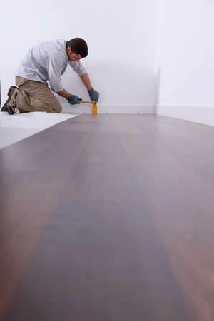 laminate flooring: Laying a parquet.