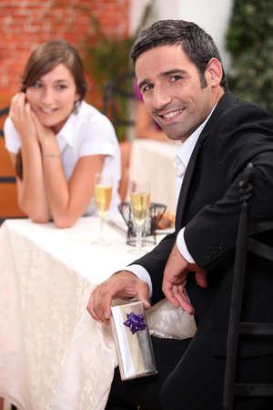 dine: Couple in restaurant