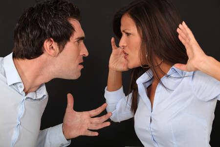 mujer golpeada: controversia pareja violenta Foto de archivo