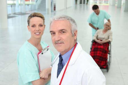 staff medico: personale medico in ospedale Archivio Fotografico
