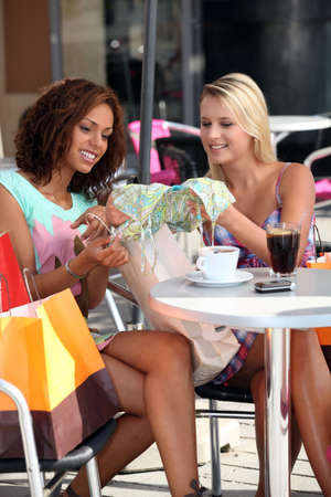 retail therapy: Shoppers in a cafe